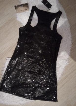 Невероятное нарядное платье в пайетках