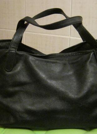 Max mara. италия. нат кожа сумка мини шоппер. дешево