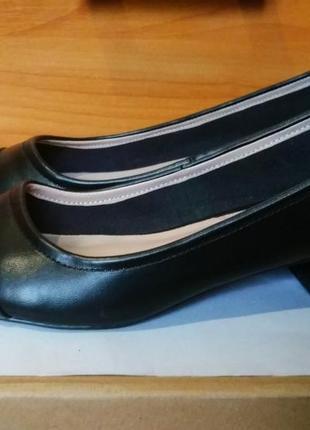 Туфли с лаковым носочком от dorothy perkins,38/39