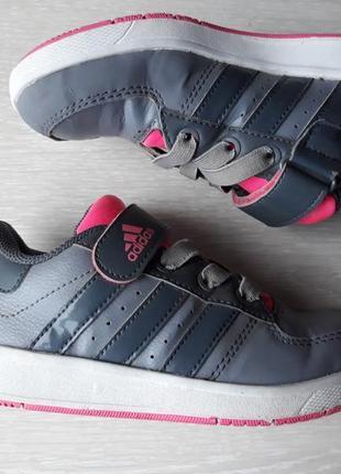 Кроссовки adidas размер 30