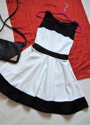 Черно - белое платье evita