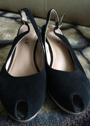 Босоніжки туфлі р.37