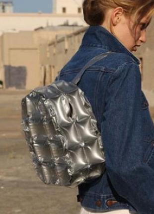 Рюкзак надувной серебристый (серебряный) стеганый