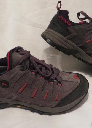 Ботинки кроссовки vibram 37,5 размер