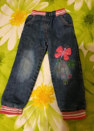Теплые джинсы на девочку 3-4 лет. турция.