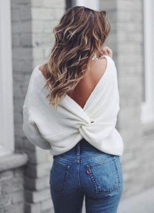 Трендовий светр з переплетом