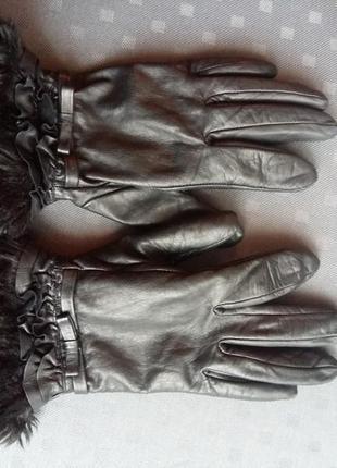 Кожаные черные перчатки