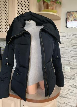 Зимняя очень тёплая-легкая  пуховая фирменная куртка