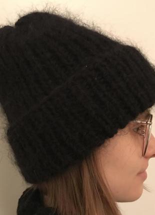 Зимняя тёплая мохеровая чёрная шапка