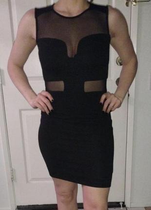 Шикарное черное платье в рубяик со вставками сетки на боках от h&m