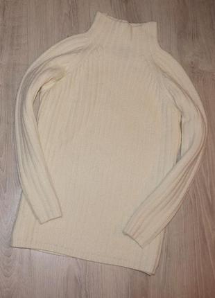 Шерстяной свитерок  молочного цвета размер s