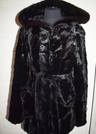 Норковая шубка с  капюшоном