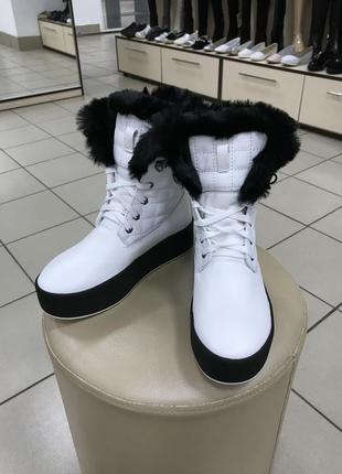 Ботинки зимние на платформе/танкетке  белые р 38-41