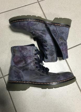 Ботинки кожаные фирменные дорогой бренд serial original размер 40-41