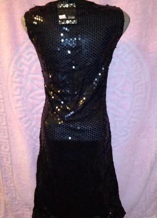 Черное новое платье в паетки, на подкладке, паетки спереди и сзади, размер 42, длина 99 см