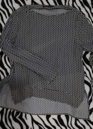 Стильная и очень красивая блуза