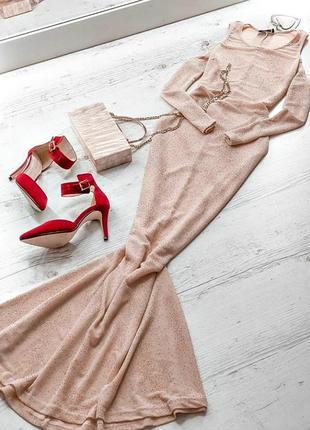 Сверкающее платье в золотистом оттенке club l