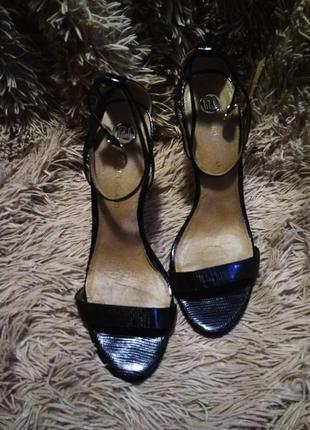 Босоножки шлепанцы сандали туфли