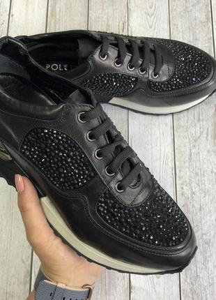 Супер блестящие кроссовки черного цвета
