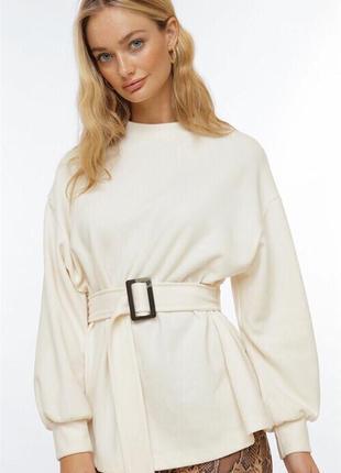 Женский свитер с поясом свитшот белый тёплый