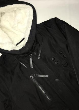 Черная зимняя курточка