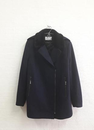 Стильное шерстяное пальтишко с меховым воротничком,  бренда h&m, 48,50 р.