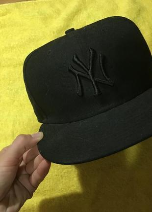 Фирменная кепка 100% шерсть