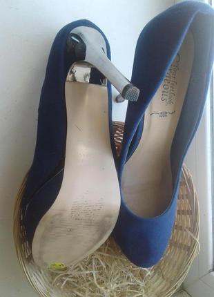 Удобнейшие замшевые синие туфли /40 -42.