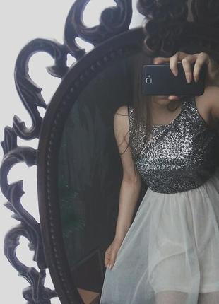 Платье в пайетках фатиновая юбка