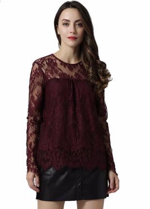 Вишневая блуза из кружева