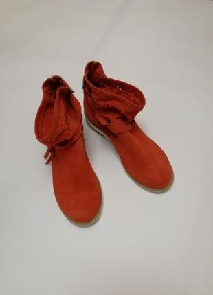 Кожанные стильные ботинки vera gomma, размер 36, стелька 23 см.