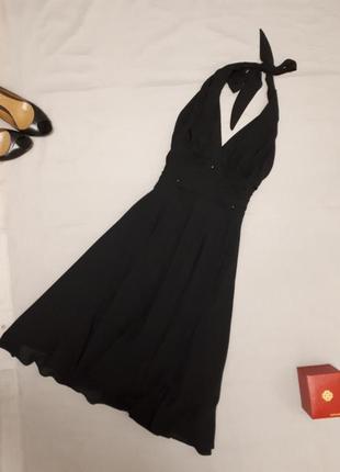 Нарядное платье для вечеринки.