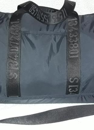 Шикарная лёгкая  дорожная спортивная сумка