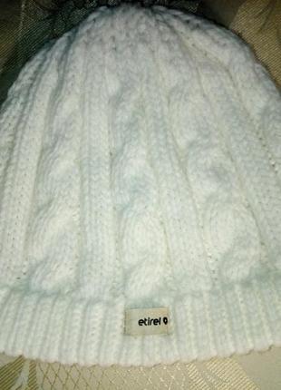 Акриловая шапка в косички р-р 58-60