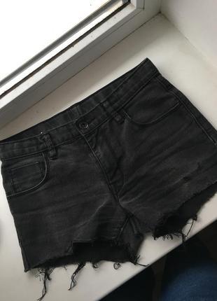 Стильные джинсовые шорты,размер s,от h&m
