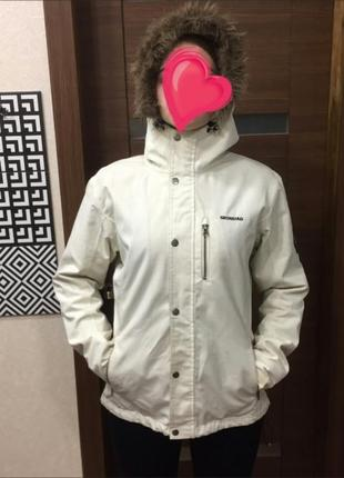 Зимняя горнолыжная курточка skogstad .очень теплая.