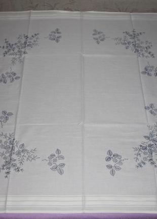 Фирменная скатерть-вышивка, укомплектованная нитками, 80х80 (германия)3 фото