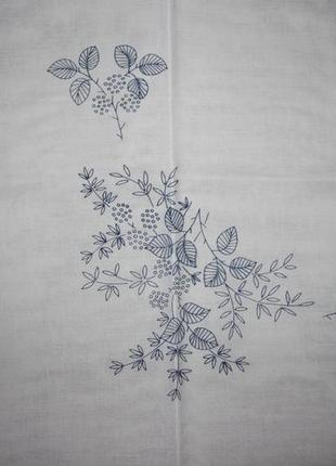 Фирменная скатерть-вышивка, укомплектованная нитками, 80х80 (германия)4 фото