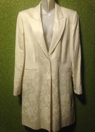 Лёгкое пальто, нежно молочного цвета