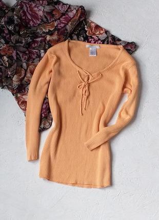 Красивый свитер кофта в рубчик со шнувкой