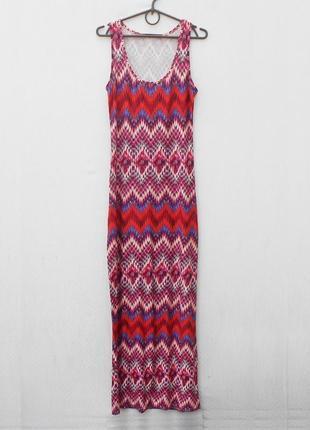 Летнее трикотажное облегающее платье в пол из вискозы с орнаментом