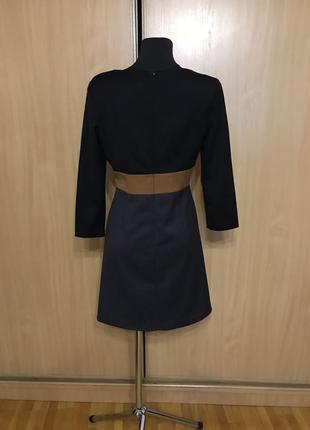 Теплое строгое платье c длинным рукавом