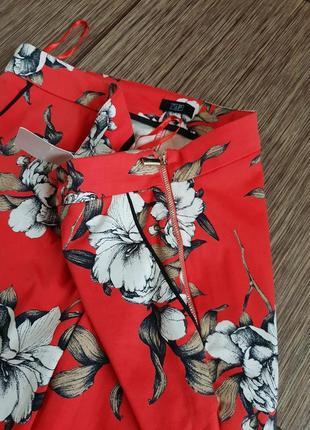 Яркие, качественные зауженные брюки, штаны с цветочным принтом f&f