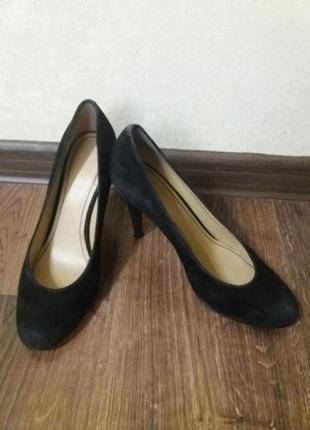 Замшевые базовые туфли