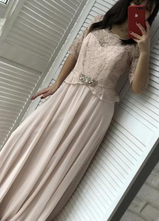 Очень красивое и стильное платье размер l