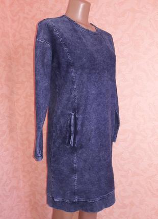 Стильное джинсовое платье в спортивном стиле