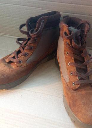 Фірмові класні ботинки (h.i.s)