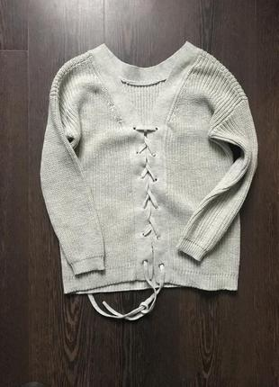 Тёплый свитер с шнуровкой  на спинке4 фото