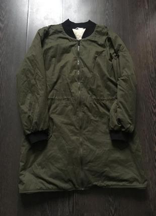 Удлиненная куртка бомбер цвета хаки