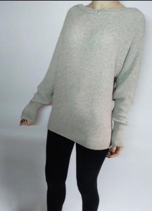 Удлиненный хорошего качества свитер